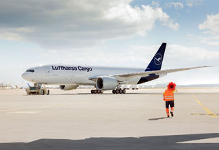 Lufthansa Cargo 777_New Design